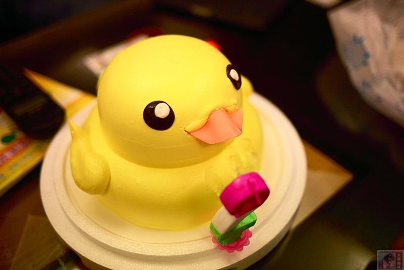 新庄美食-贵族精致烘培坊-黄色小鸭蛋糕-可爱萌到翻的